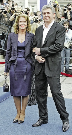 Актриса счастлива с нынешним мужем Сергеем Мартыновым. Фото Анатолия ЖДАНОВА.