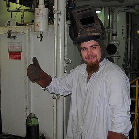 Cварщик Артем Слабоспицкий просидел на этом судне 14 месяцев, но вскоре надеется вернуться домой.