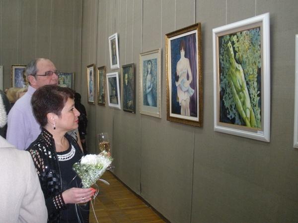 Виторган осматривает выставку