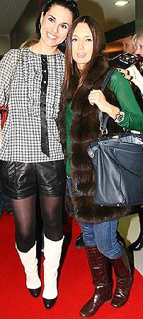 Телеведущая Маша Ефросинина с сестрой Лизой Ющенко - редкие гости на кинопремьерах.