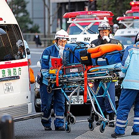 Из районов АЭС «Фукусима-1» и «Фукусима-2» эвакуируют население. Официально число облученных достигло 20 человек.