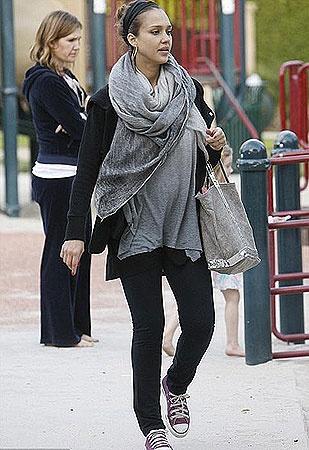 Джессика ждет второго ребенка. Фото DailyMail.