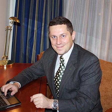 Михаил Мозжечков уже несколько лет живет вместе с семьей в Токио.