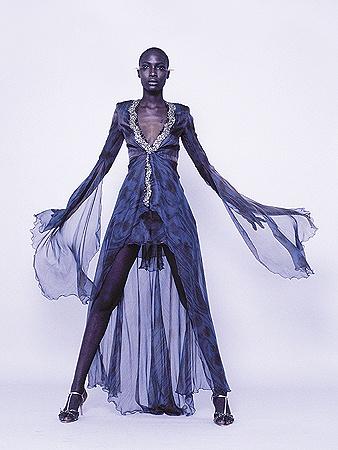 125-сантиметровым ногам супермодели Джи Диен в «Мистецьком Арсенале» тесно не будет. Фото redcarpet-fashionawards.com.