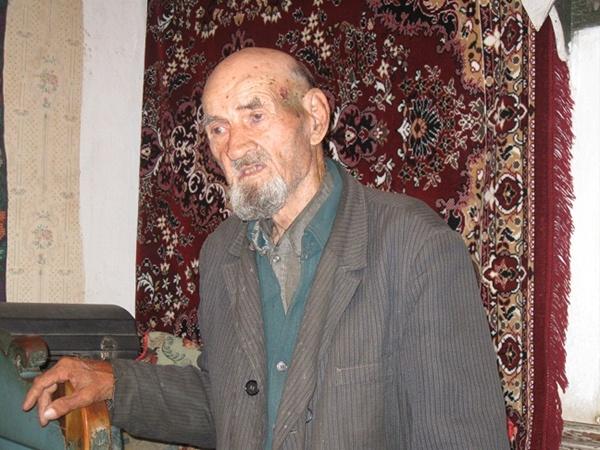 - Сам удивляюсь своему возрасту, - признается Александр Матвиенко. Фото автора и из личного архива Александра МАТВИЕНКО.