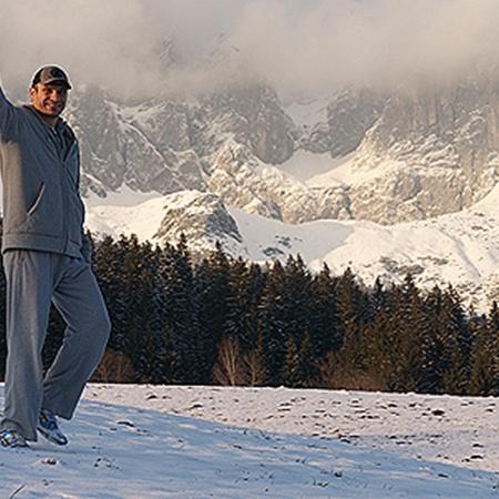 Снега в горах во время подготовки Кличко навалило так много, что Виталию ежедневно приходилось расчищать дороги.
