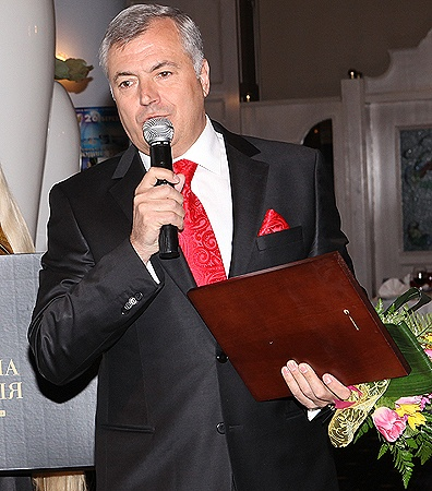 Владимир НОВАЦКИЙ, мэр г. Южное, лауреат программы «Человек года-2010» в номинации «Мэр года».