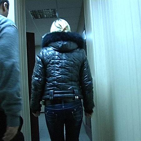 Одна из дочерей - Юля, которую мама возила «на продажу» чаще других.
