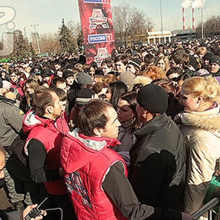 Первый день кастинга собрал толпы. Фото Михаила Фролова.