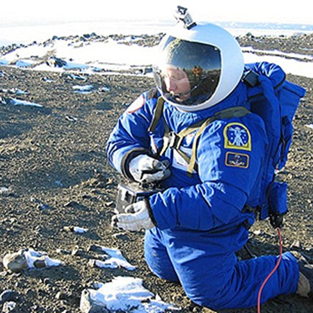 Антарктида, где испытывали скафандры, очень похожа на Марс.
