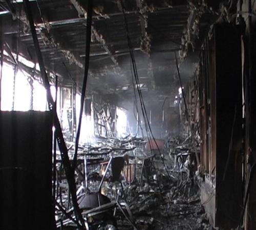 600 квадратных метров составила площадь пожара в бильярдном клубе Fair play. Фото: Остров.