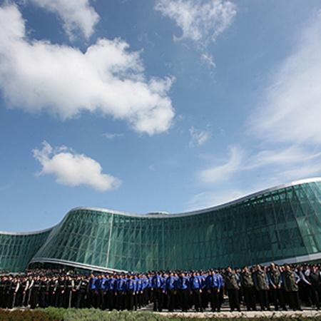 Здание МВД вынесли за пределы Тбилиси и сделали полностью прозрачным.