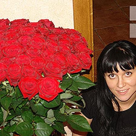23-летней Татьяне Олег регулярно привозил роскошные букеты.