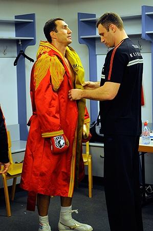 В семейной коллекции Кличко уже четыре чемпионских пояса. Осталось отнять последний - у Дэвида Хэя уже этим летом.
