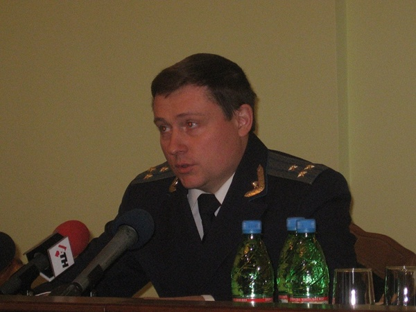 Средний размер взятки вырос в этом году до 15 тысяч гривен, - говорит Александр Бабиков. Фото автора.