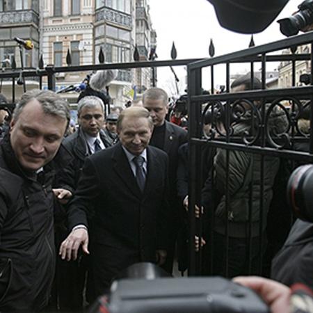 Следующая попытка провести очную ставку между экс-майором Госохраны и Леонидом Кучмой может состояться 30 марта.