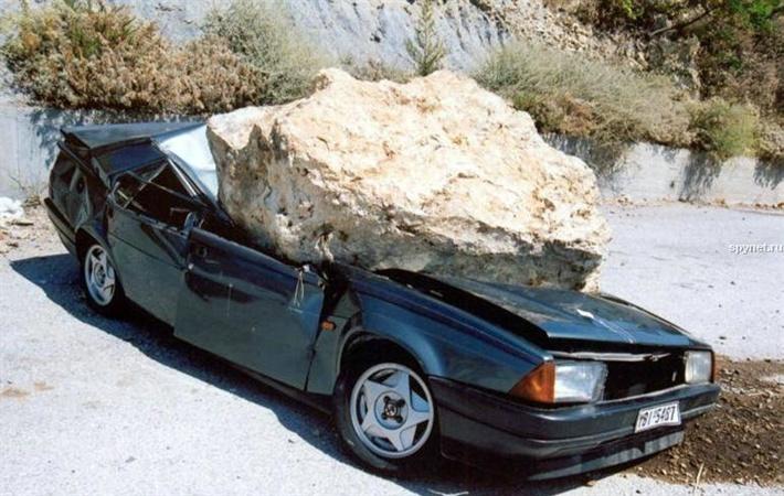 Для обращения в суд необходимо зафиксировать факт повреждения автомобиля