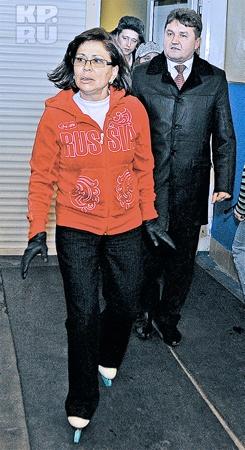 Самый спортивный министр РБ Александр Никерин едва успевал за легендарной фигуристкой. Фото Милы Киян.