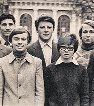 Группа учеников ленинградского математического кружка; Перельман - крайний справа. Фото из архива «КП».