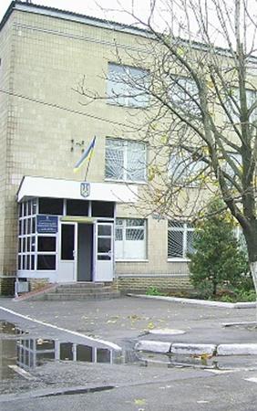 И Сергей П., и Николай Черванев трудились в Волчанском райотделе милиции. Теперь первый - под стражей, второй сменил работу. Фото автора и МГ «Объектив».
