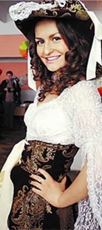 Киевлянка Светлана примерила новый образ.