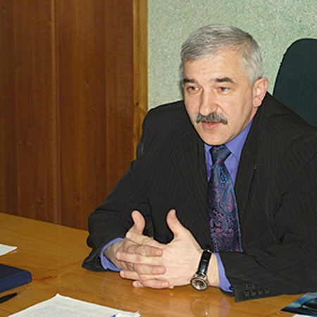 Председатель Народичской райгосадминистрации Валерий Трохименко рассказывает, что обезлюдевшие после аварии на ЧАЭС земли начинают оживать.