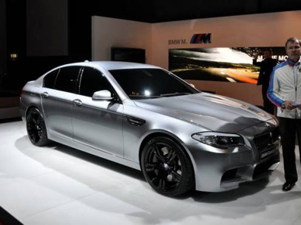 BMW M5 Concept наиболее ожидаемая автомобильная новинка 2011 года. Фото с сайта www.transmissia.net.