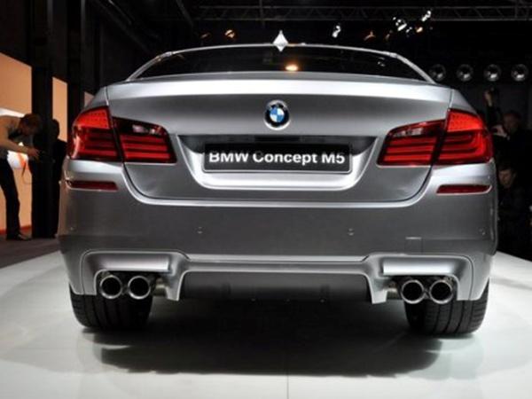 BMW M5 Concept вчера официально показали прессе в Мюнхене. Фото с сайта www.transmissia.net.
