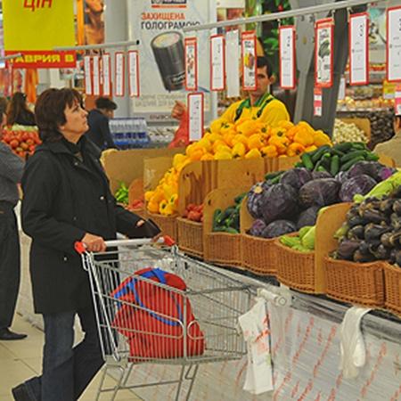 Хоть цены и скачут, как сумасшедшие, но украинцы не падают духом.