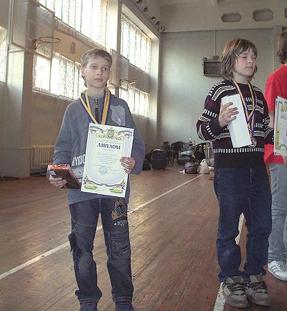 Юный чемпион получил путевки на 20 дней в Артек.