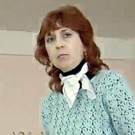 Учительница физики Елена Якунина поддержала версию директора школы.