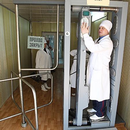 Выйти из зоны строгого режима можно только через пункт радиологического контроля.