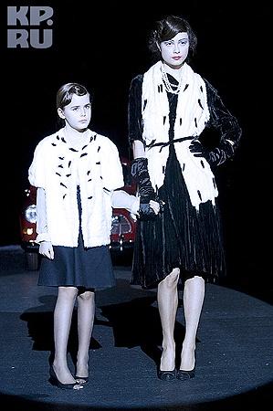 Модели на показе Ренаты Литвиновой. Фото Томаса Бодуэна.