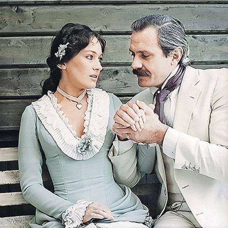 Роль в фильме «Жестокий романс» - визитная карточка Ларисы Гузеевой.