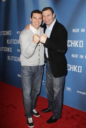 Кличко на премьере фильма о себе. Фото пресс-службы Кличко.