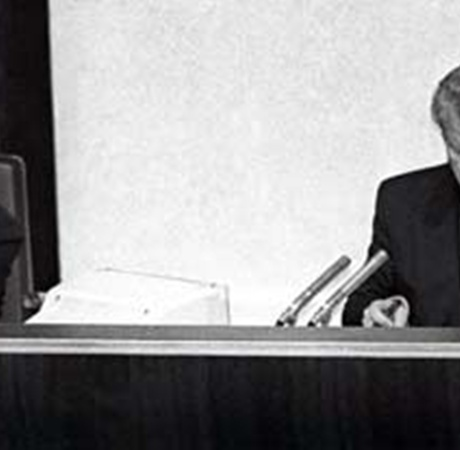 В 1996 году Мороз был спикером украинского парламента.