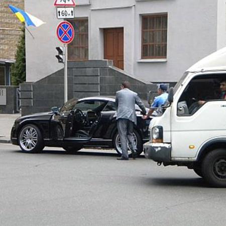 ДТП случилось на углу киевских улиц Шелковичной и Лютеранской.