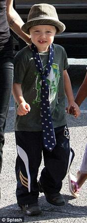 Шайло нравится одеваться словно мальчик. Фото Daily Mail