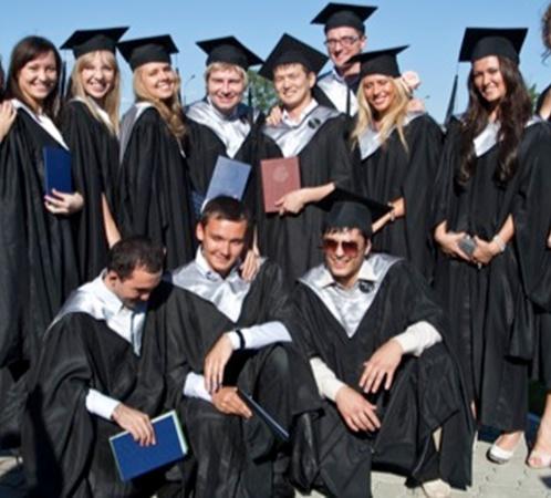 Николай со своими однокурсниками.