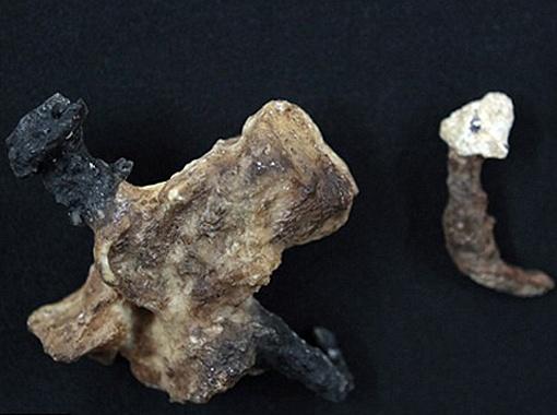 Гвоздь из захоронения распятого в Иерусалиме: им пробита пяточная кость. Возраст находки первый век.