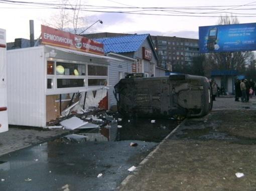 Мужчина не справился с управлением и перевернулся. Фото: Ура-Информ.