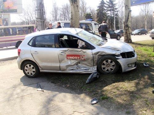 От удара пострадали оба водителя. Фото: ГАИ Донецкой области.