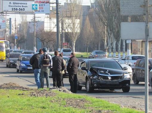 Сотрудникам ГАИ предстоит установить причину аварии. Фото: Николай РЯБЧЕНКО.