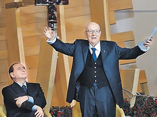 О здоровье Берлускони заботится 90-летний священник Луиджи Верзе, профессор медицины.
