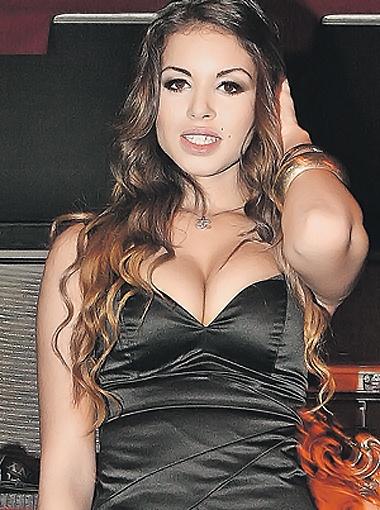 Из-за связи премьера с 17-летней красоткой Руби в Италии разгорелся настоящий скандал.