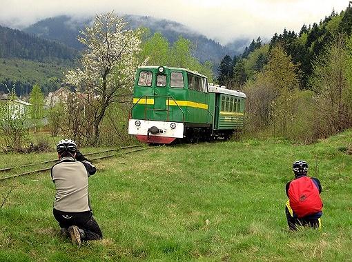 В предгорьях Карпат даже трамваи ходят, особые, горные...