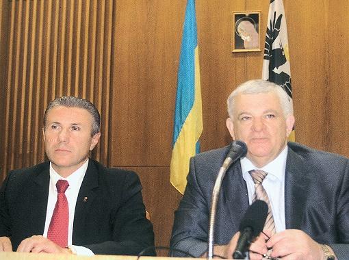 ...и президентом Национального Олимпийского комитета Сергеем Бубкой.