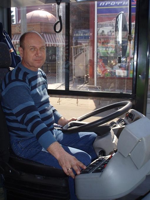 Водитель Сергей Бондаренко: - Очень удобно: все управление на кнопочках! Фото автора.