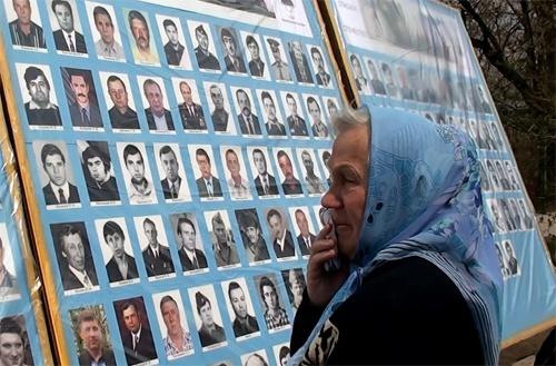 На митинге присутствовали родители погибших ребят. Фото: Остров.