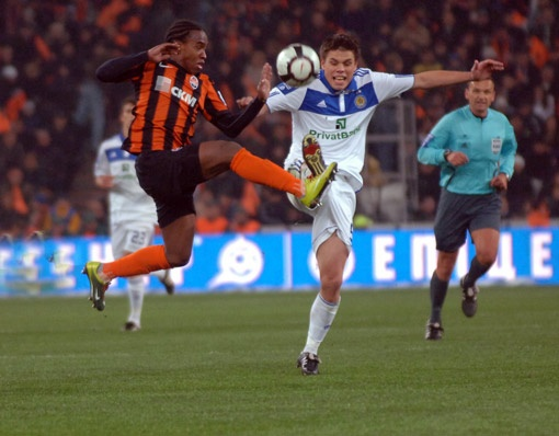 В матчах «всеукраинского классико» игроки не жалеют ног. Ни своих, ни соперника.